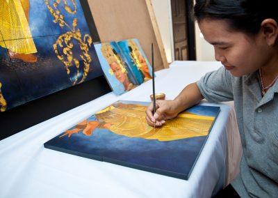 Artisan Plyinh Painting